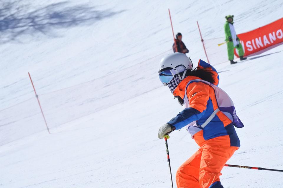 シナノスキー技術選参加者の華麗なスキー!